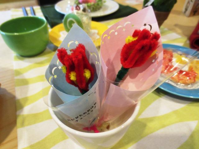 食育ランド「食卓に花を~モールでチューリップ作り~」
