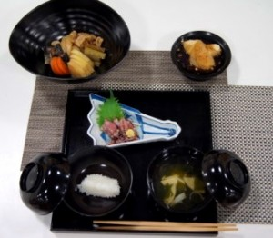 主催料理教室 実践!にいがた流食生活 ~家庭で楽しむ春の懐石料理~