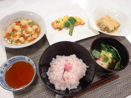 主催料理教室 伝えたい新潟の味 ~片桐先生の春を楽しむ家庭料理~
