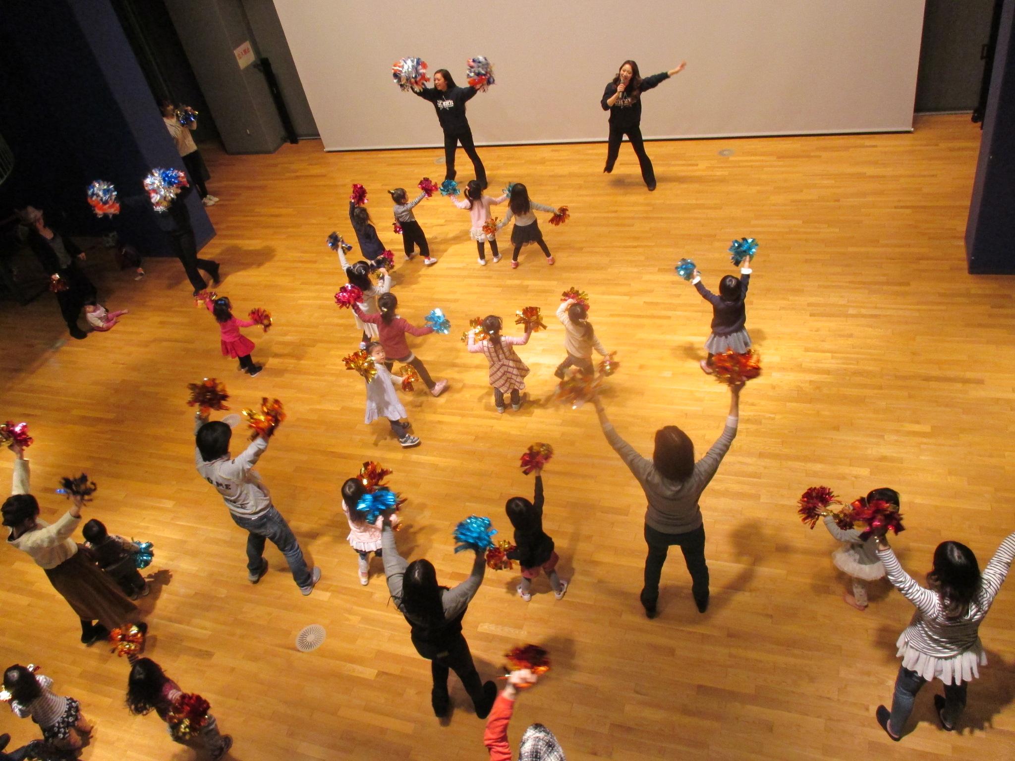 11月25日(土) 「親子チアダンス教室」開催