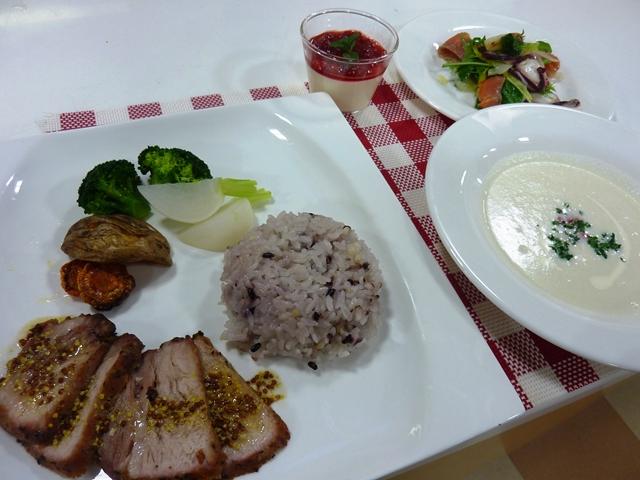 料理教室 「おうちXmasらくらくCooking」を開催しました。