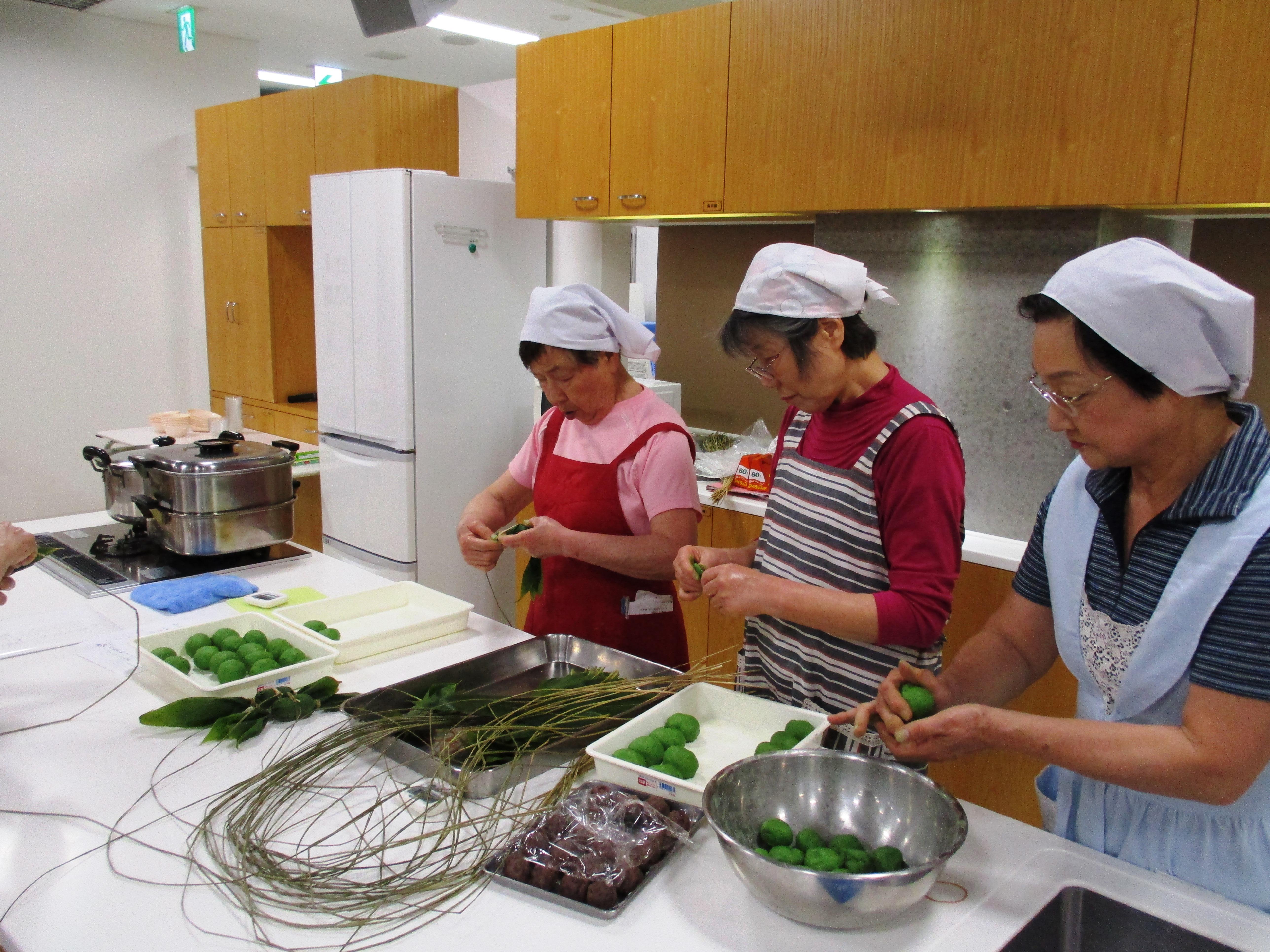 お料理教室「笹団子作りとパッククッキング」