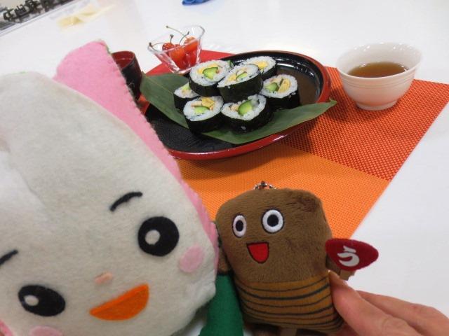 キッズキッチン「うな次郎を使ったお寿司をつくろう」