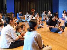 5月20日(火)、0歳対象の「親子リトミック」を開催しました。