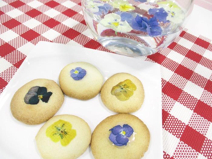 にいがたの「米粉を使ったクッキー」の試作