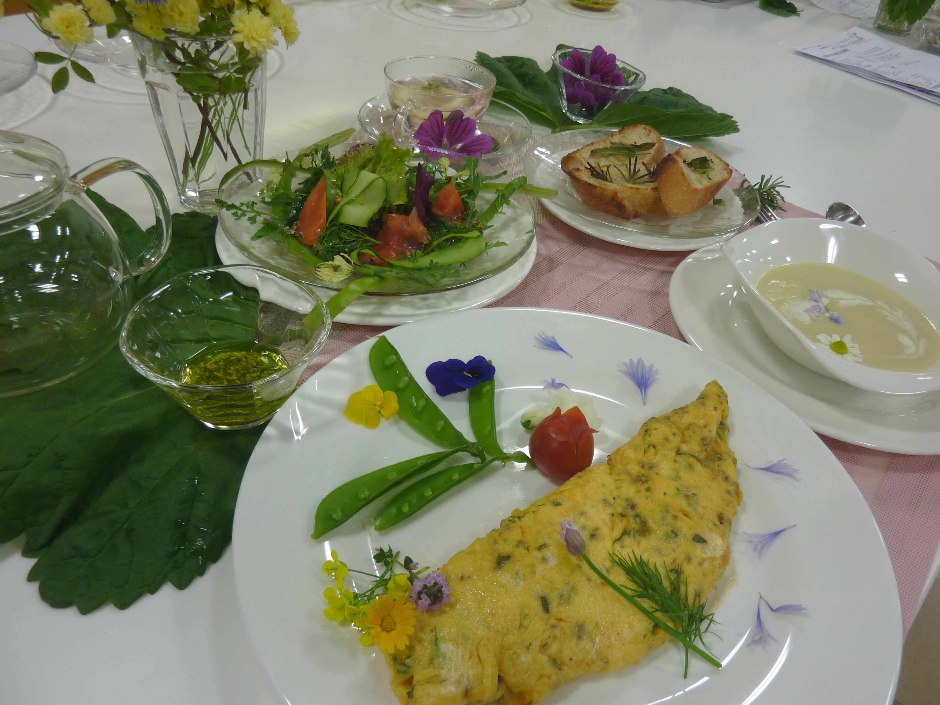 お料理教室「初めてのスパイス&スパイスの世界 卵料理とハーブ フィーヌゼルブ」