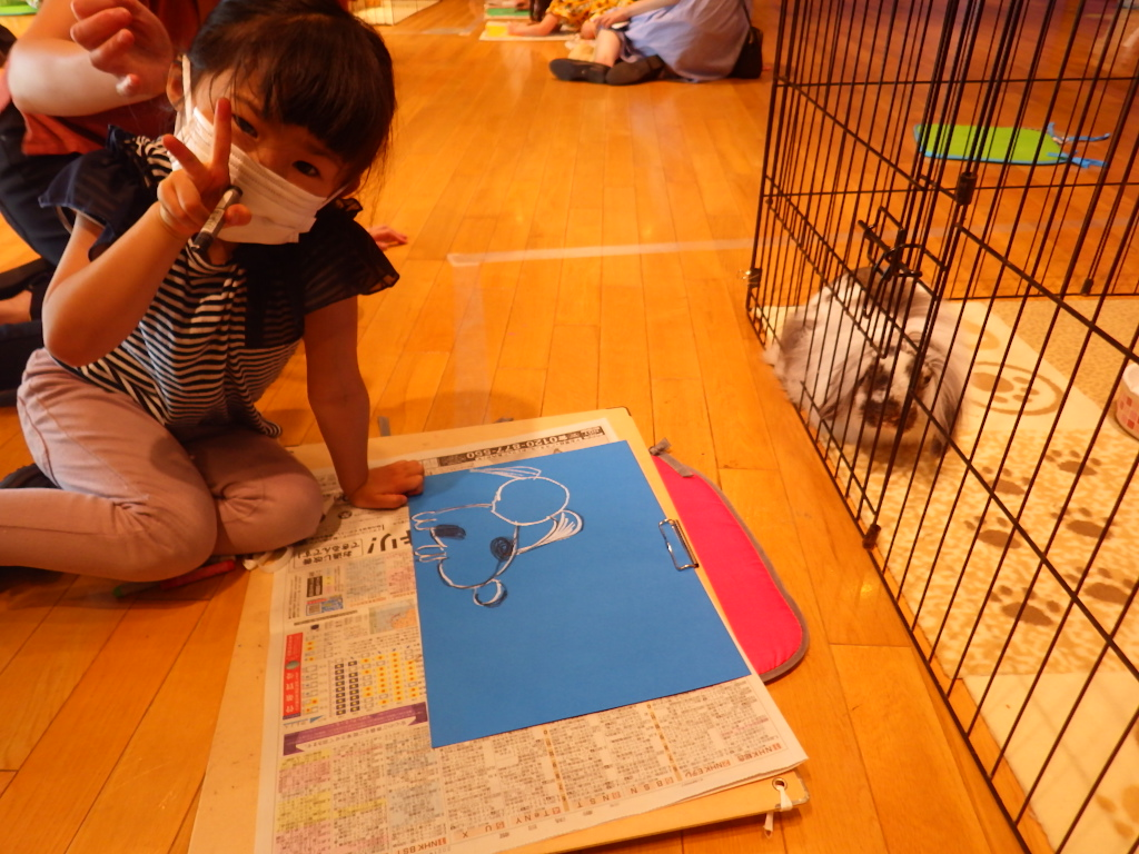 「ウサギを見ながら絵を描いてみよう」を開催しました!
